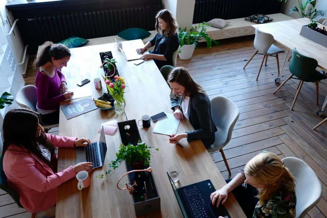 5 tips om je kantoor creatief in te richten